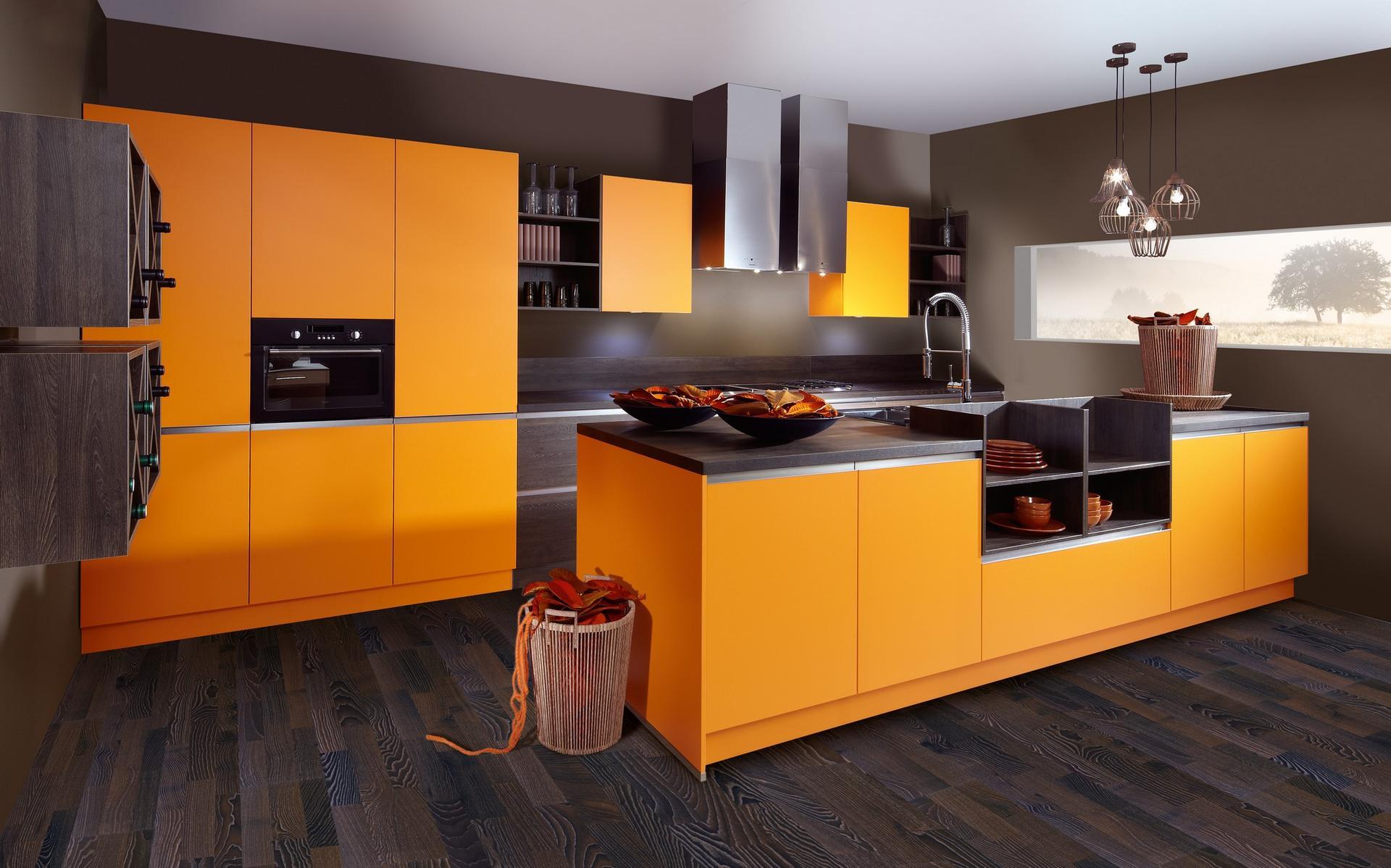 Кухня Schröder Color Orange & Sincrono Tobacco Oak