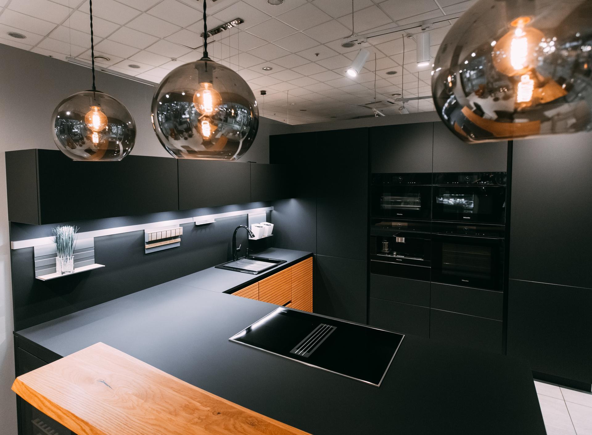 Немецкая кухня Fenix Black, Кухни Schröder